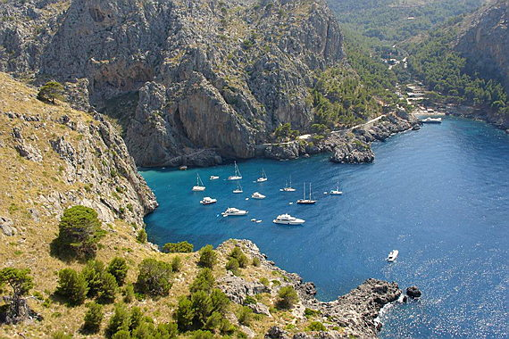 Pollensa - Watersports in Cala Tuent, North Mallorca