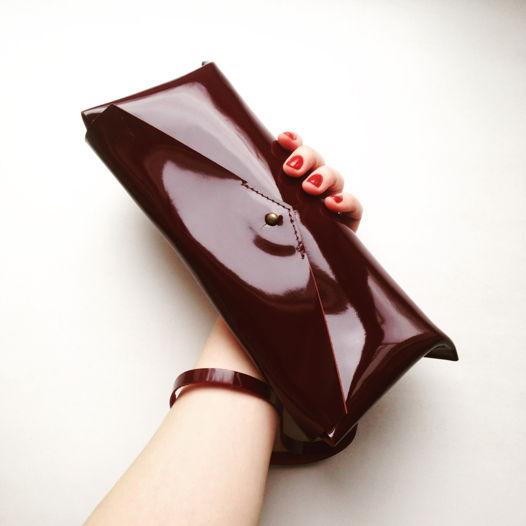 Кожаная сумка поясная/клатч Envelope Gloss Cherry