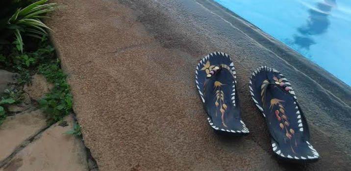 African Car tire Flip flop