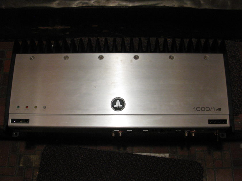JL Audio 1000/1v2 1000 watt mono sub car amp