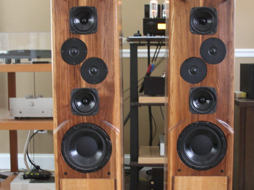 Daedalus Audio Ulysses in Quartersawn White Oak