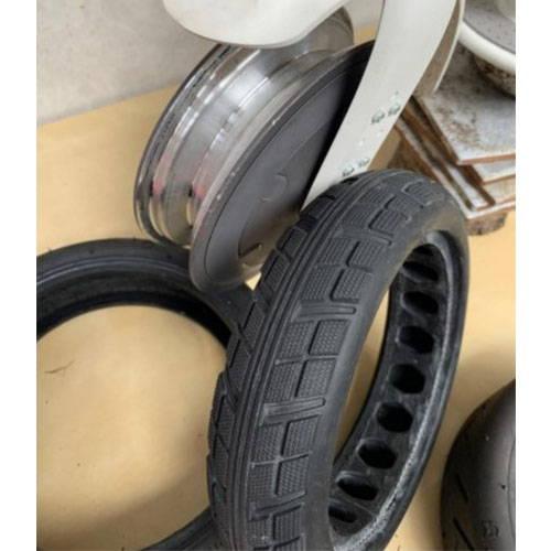 trottinette-electrique-pneu-increvable-plein