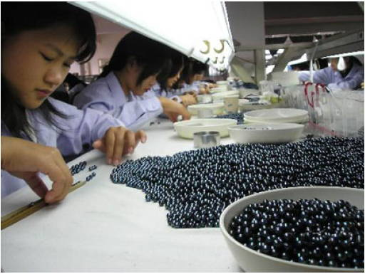 how pearls are made yves lemay jewelry