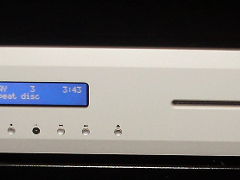 Musical Fidelity M3I Cd player  2 months new Silver,Original packaging and remote