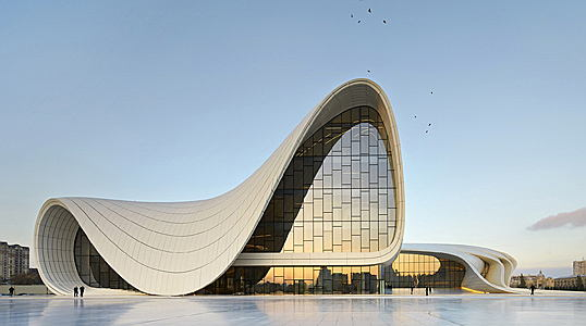 Visp - Der Heydar Aliyev Center von Architektin Zaha Hadid in Baku.