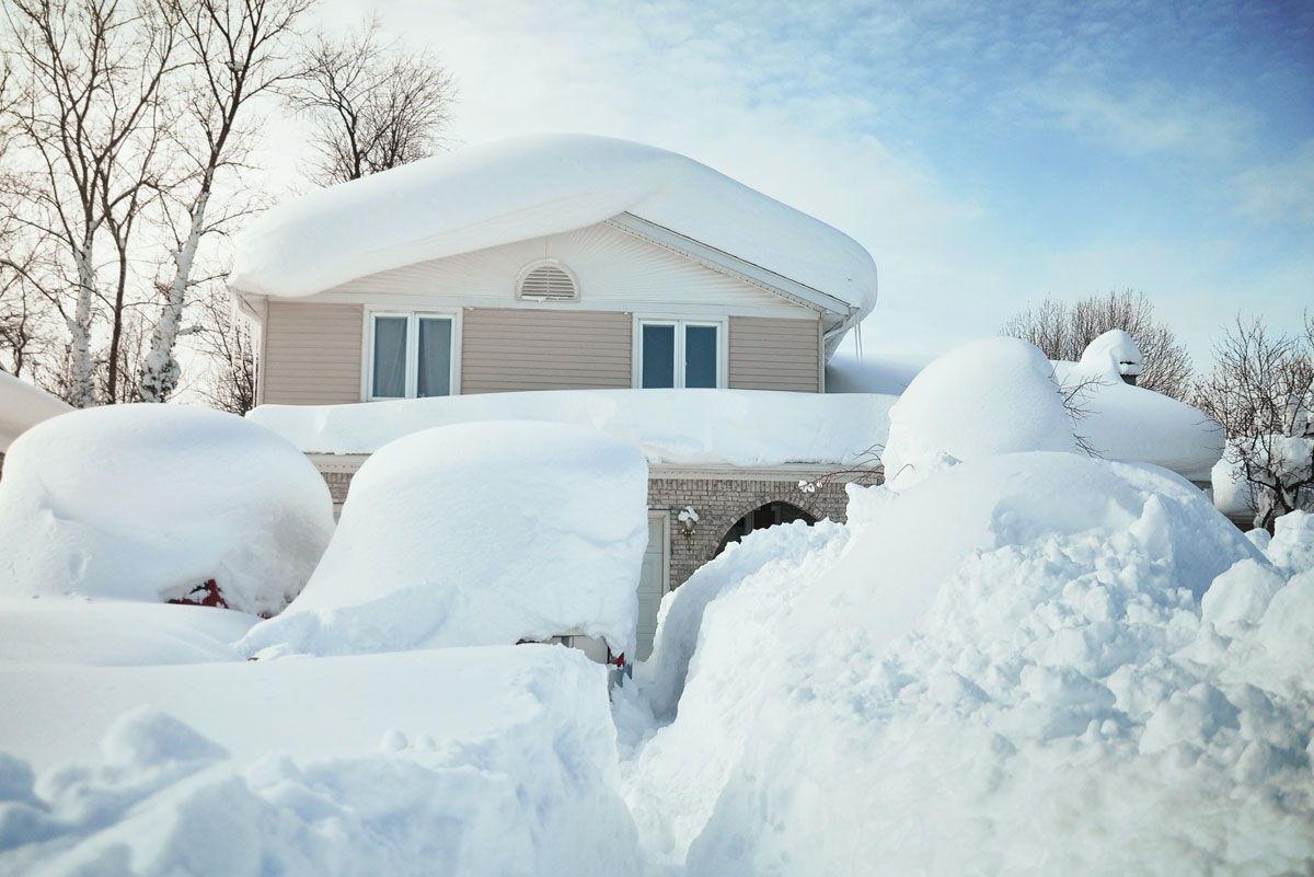 Quand retirer la neige sur la couverture?