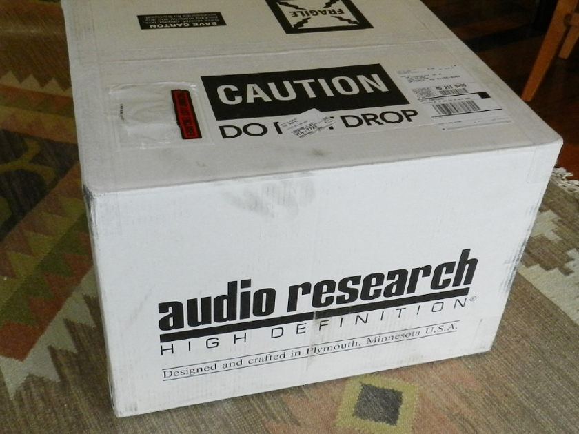 Audio Research Corp LS 17 SE Tube Pre-Amp Silver Face Plate PRICE DROP
