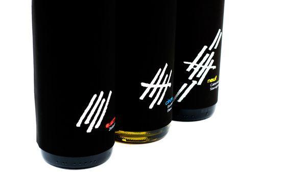 Wine_labels_closeup