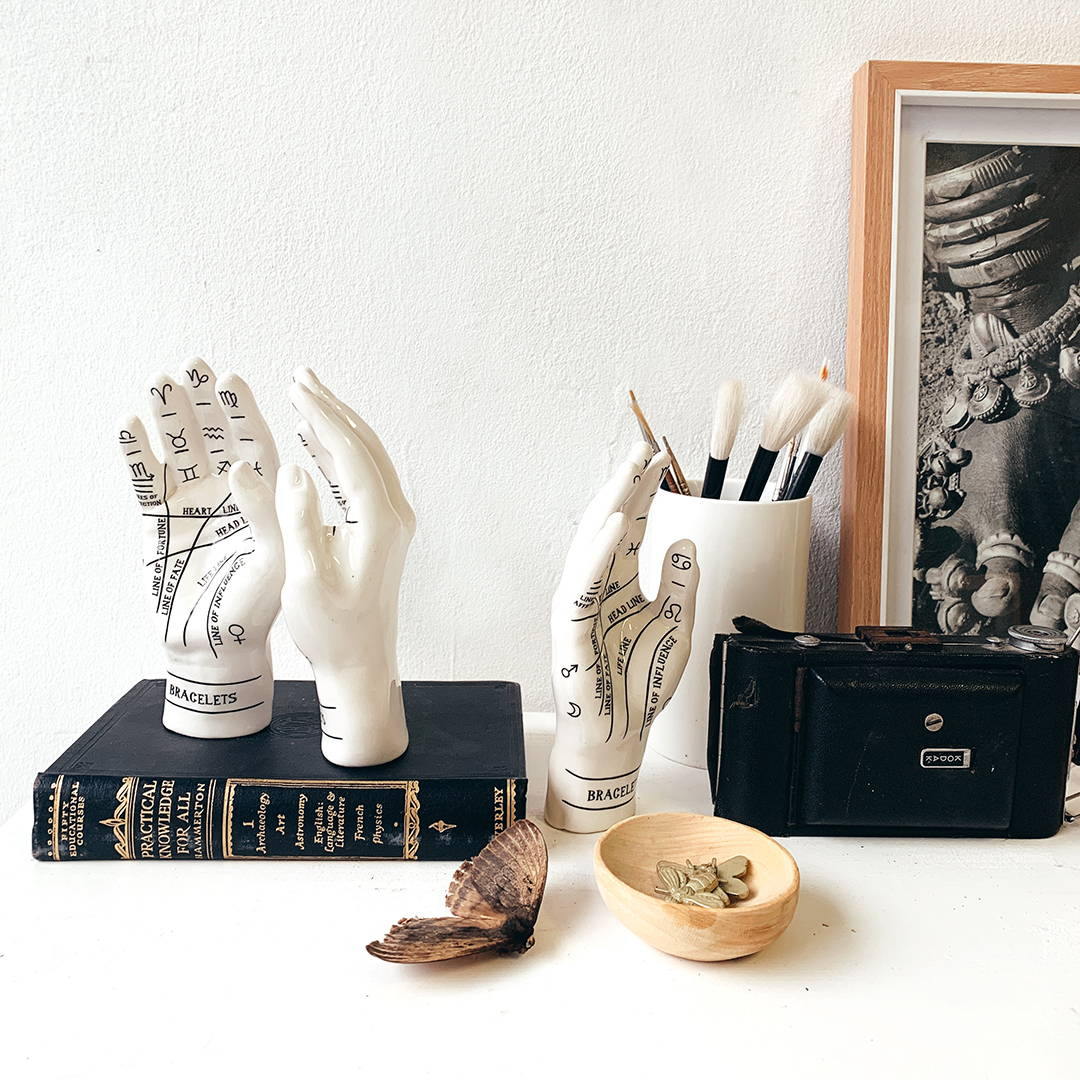 Palmistry – Love Milo