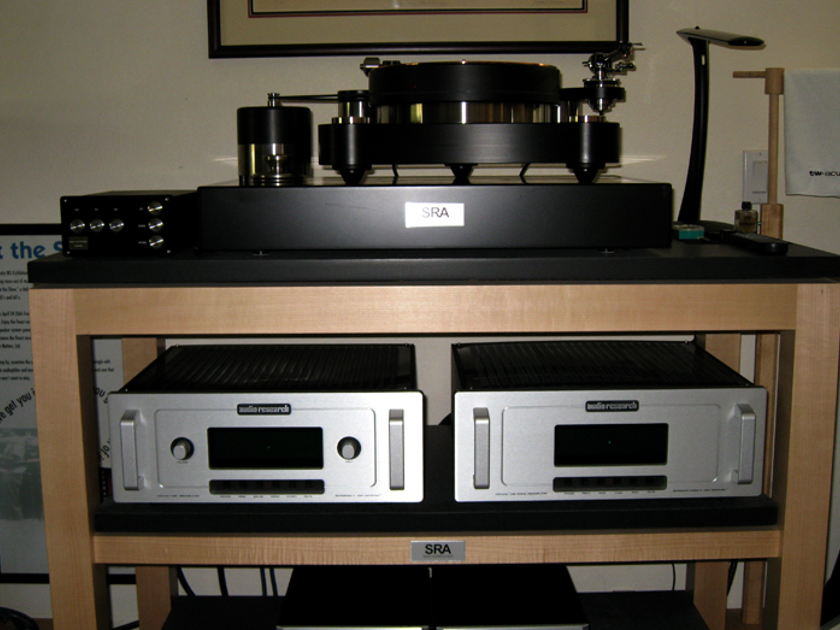 AUDIO RESEARCH  REFERENCE 5 PREAMPLIFIER