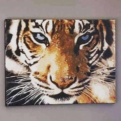 Peinture par numéros fini d'un tigre réaliste
