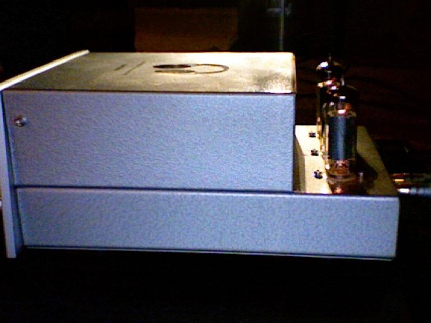 Consonance Cyber20 Tube Headphone amplifier
