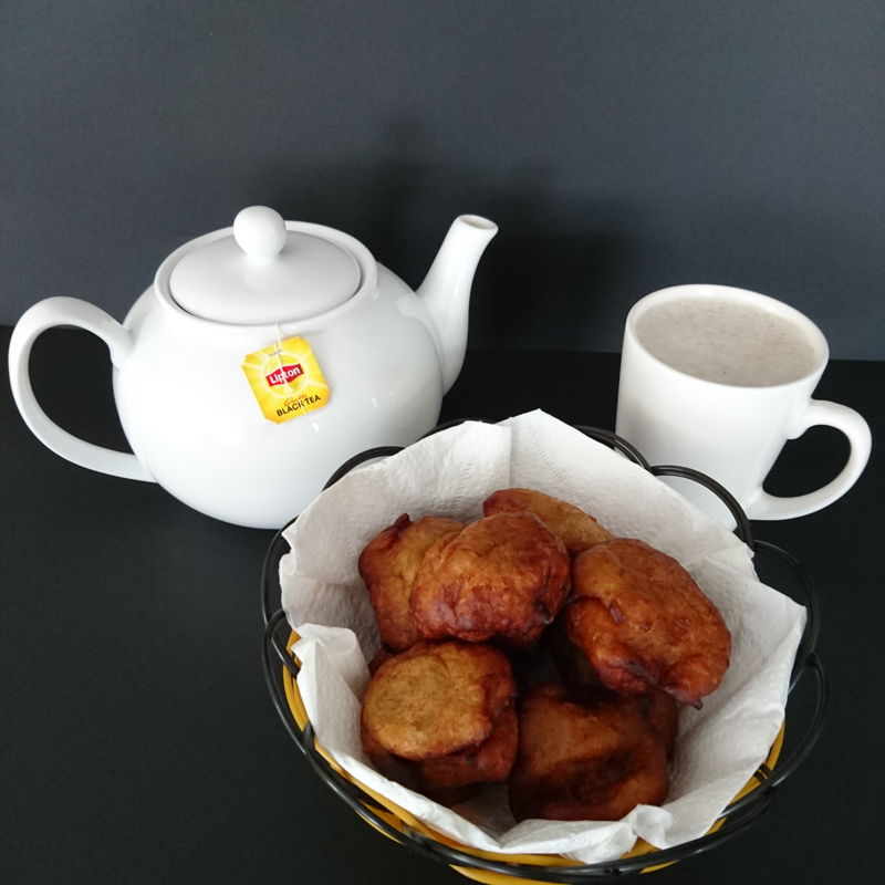 Date: 7 Nov 2019 (Thu) 9th Snacks: Jemput-jemput Pisang (Fried Banana Balls) [87] [101.6%] [Score: 10.0]  Jemput-jemput Pisang served with Nyonya Cooking Teh Tarik. That Teh Tarik is going places!