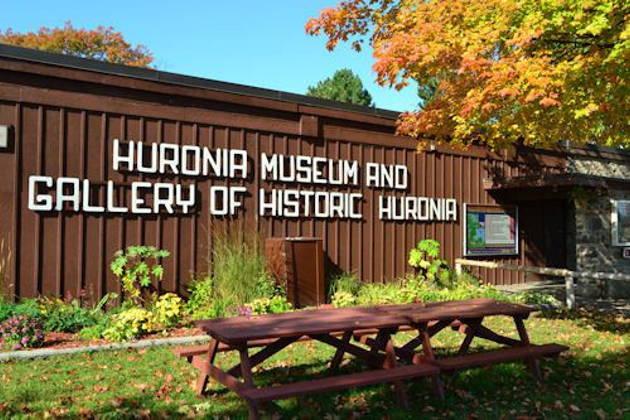 Экскурсия в индейскую деревню — музей 16 века на севере Онтарио с круизом по Джордан Бэй