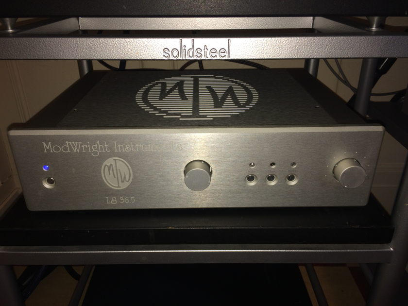 Modwright  LS 36.5 Tube Preamplifier