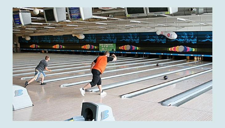 bowl play berlin auf der bowlingbahn