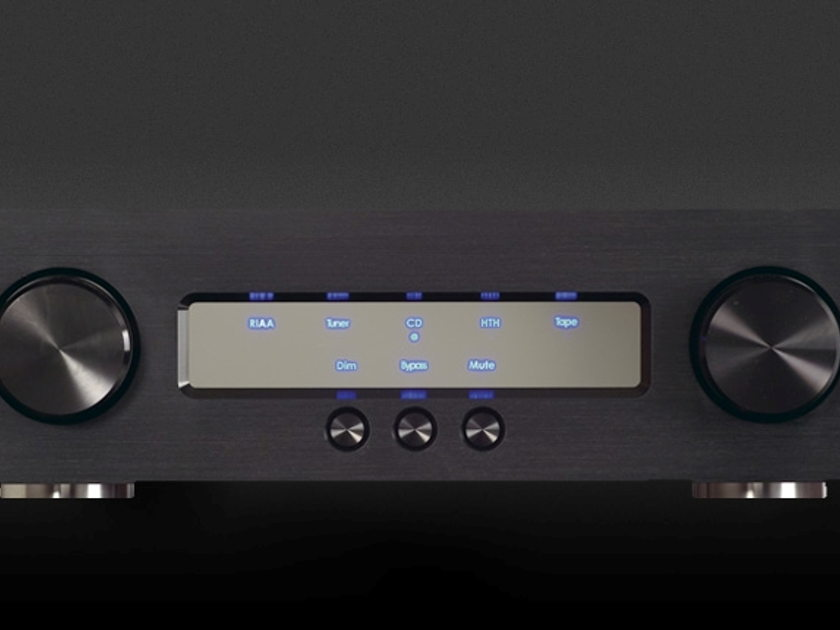 GamuT D3i Dual Mono Preamplifier (Highly Regarded By Different  Reviever)