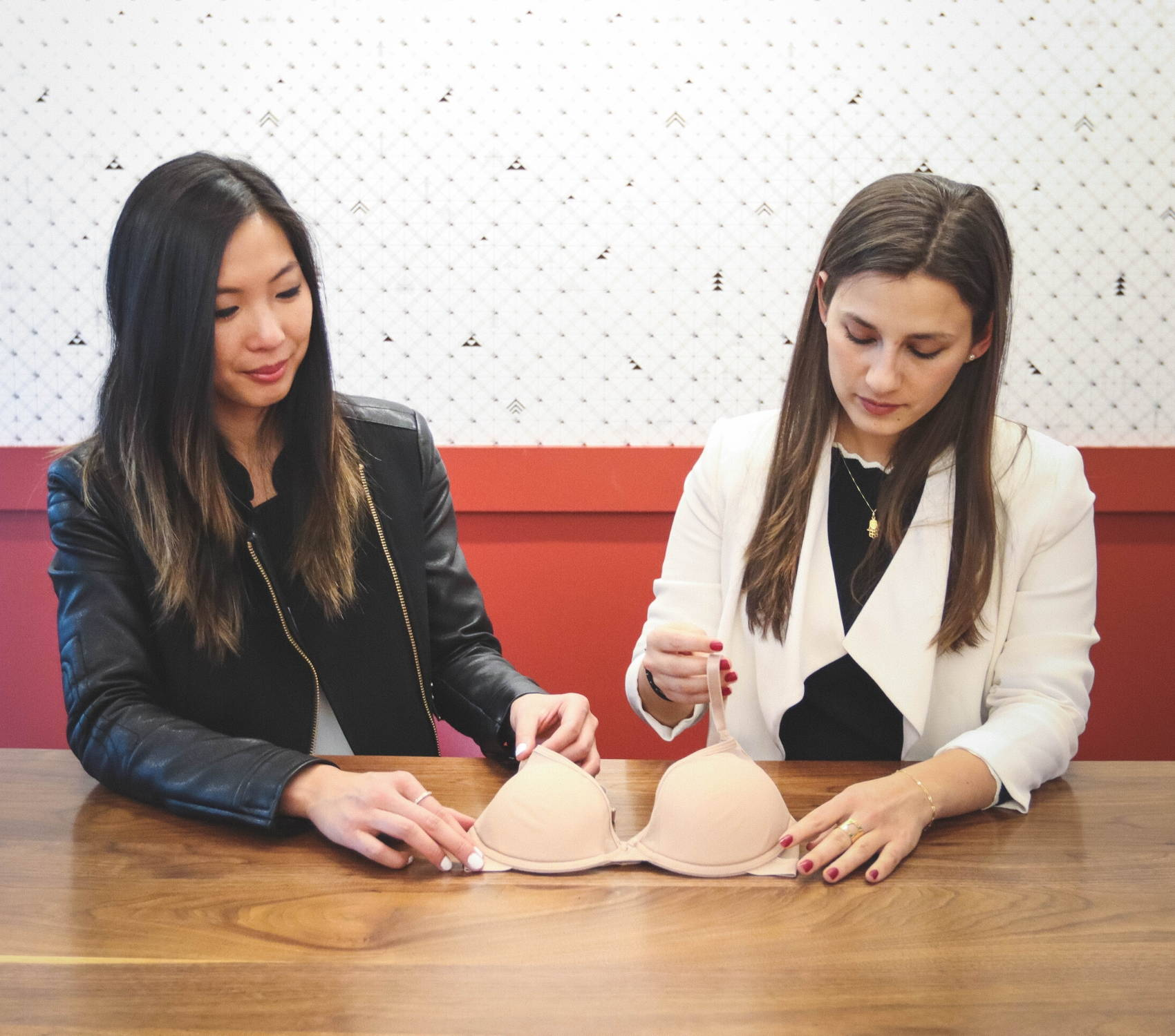 Pepper co-founders Jaclyn and Lia