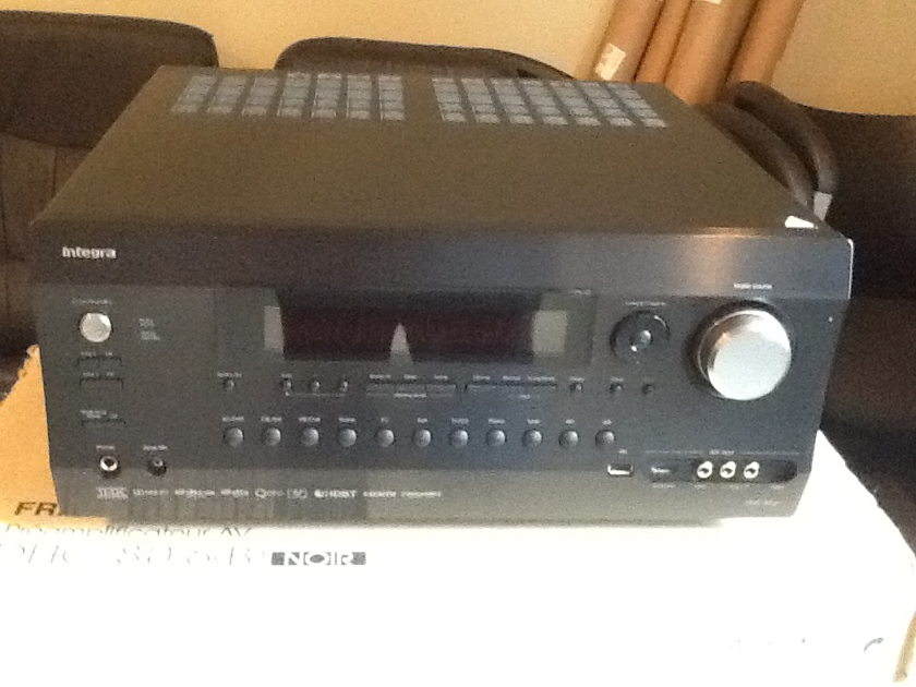 Integra DHC-80.6 AV Control Center