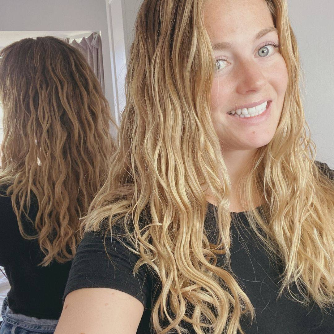 Image of women with wavy hair