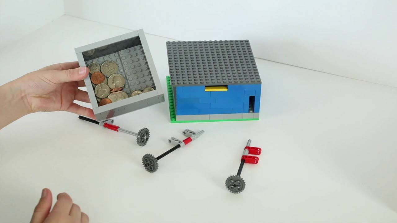 LEGO key safe with lock and key