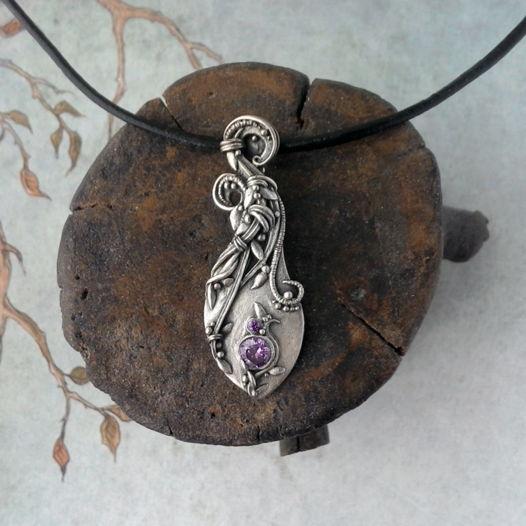 Кулон серебряный Завихрения с аметистовым фианитом