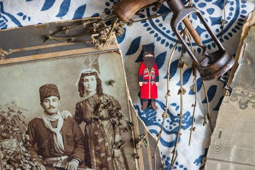 """Брошка """"Грузин"""" в национальном традиционном костюме."""