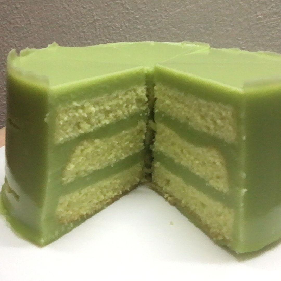 First time pandan layer cake. Yummy.
