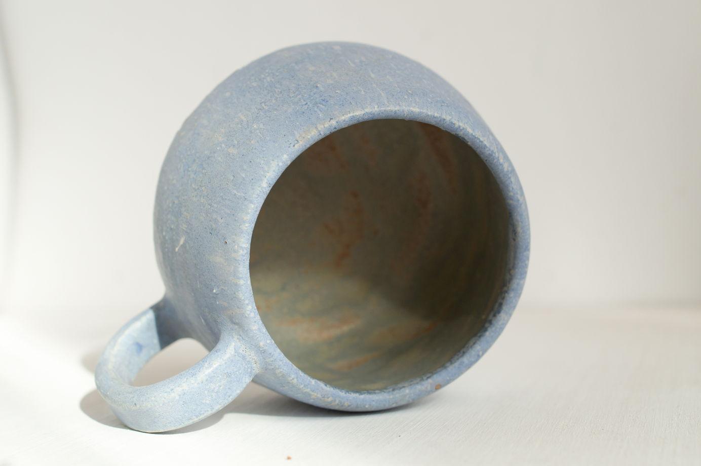 Брутальная округлая кружка, голубая матовая