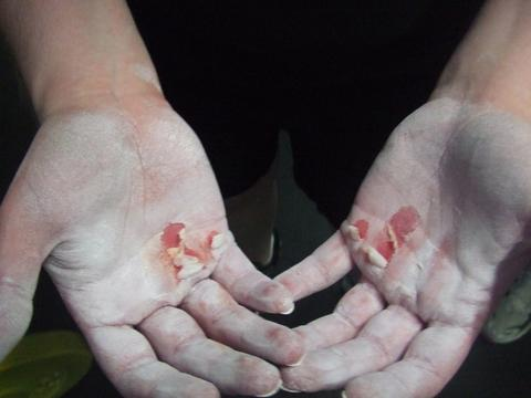 RIPPED HANDS