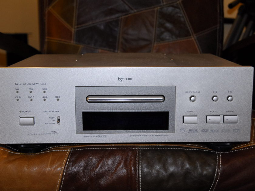 Esoteric DV50 S CD and DVD player
