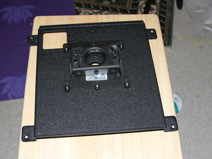 JVC RS50 3D ISF calibrated with 3pairs of glasses Emitter, Chief mount