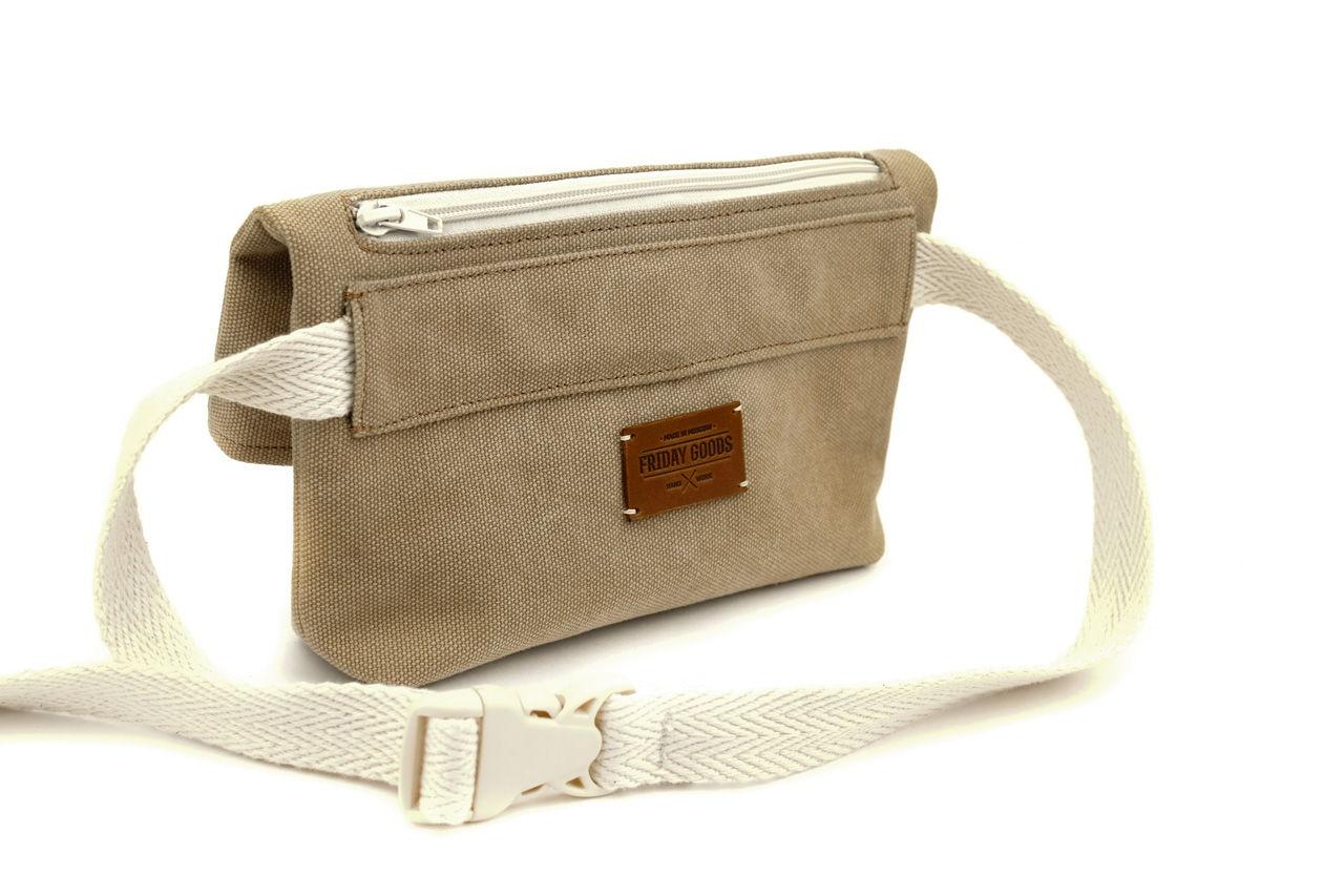 Поясная сумка из канваса, песочная, оригинальная в магазине «Friday ... 07b7ec8687a