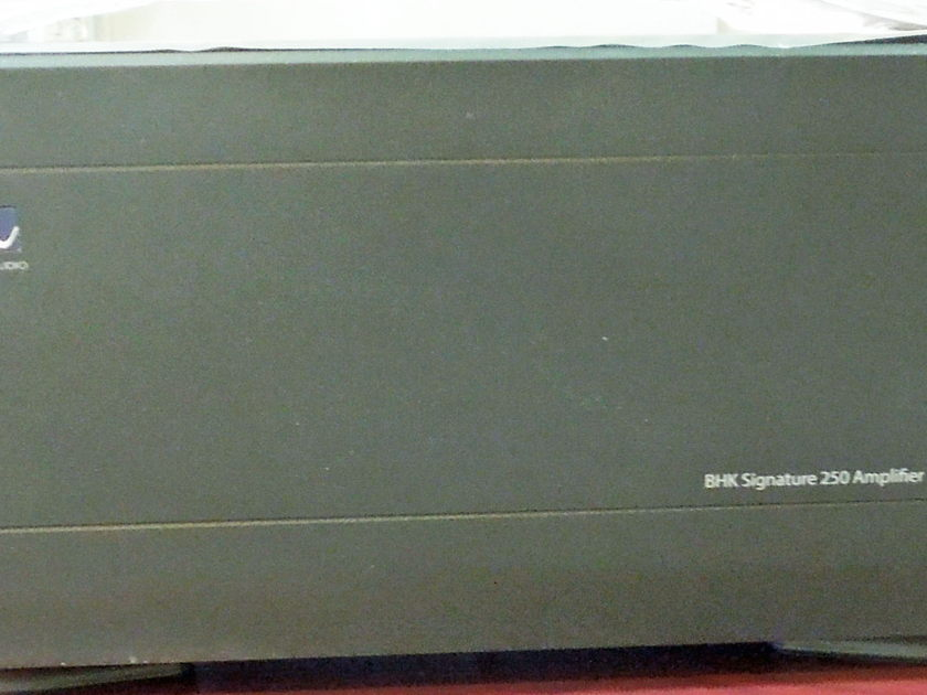 PS Audio BHK Signature 250 Power Amplifier  (New)