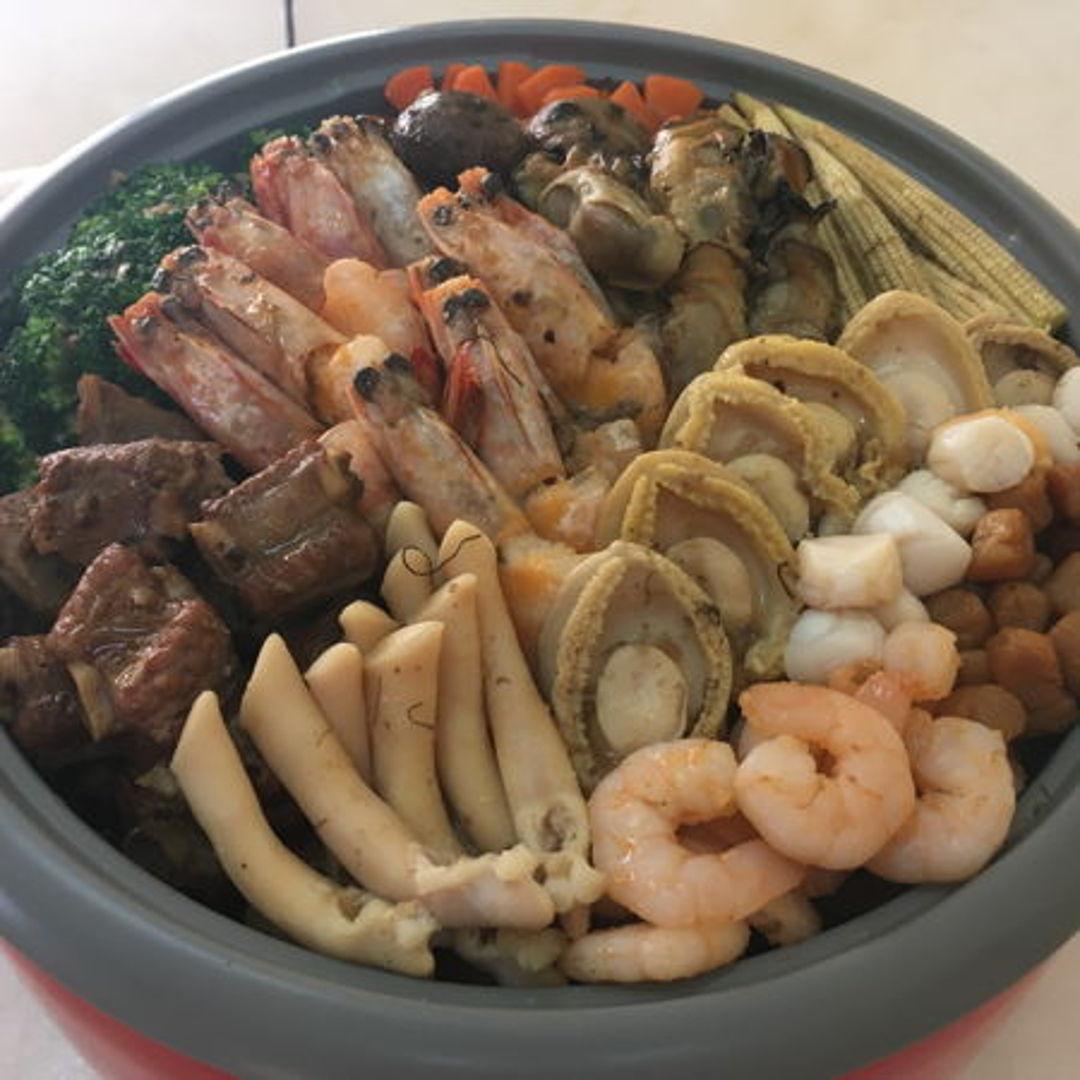 seafood poon choi