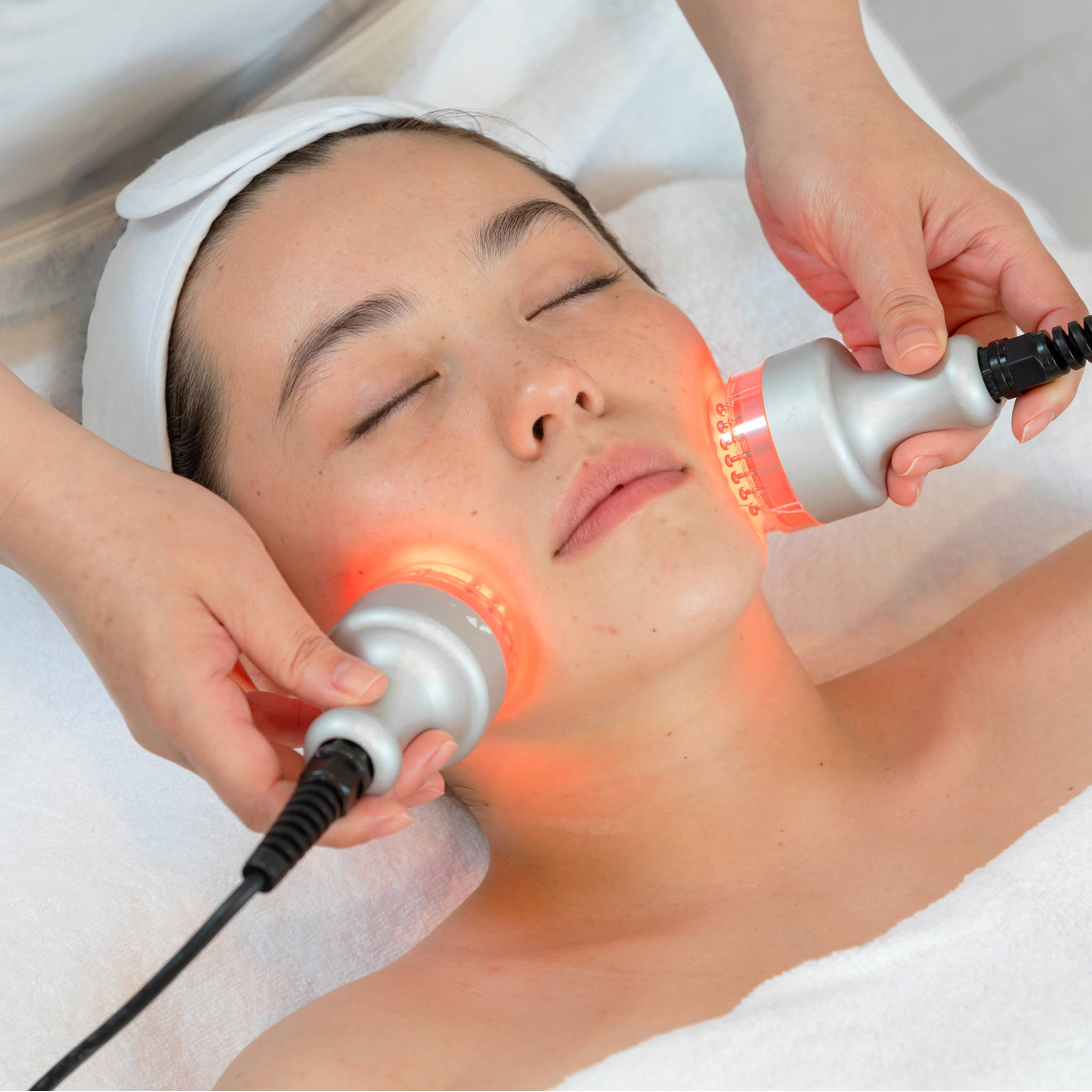 Bio-LED Treatment Facial