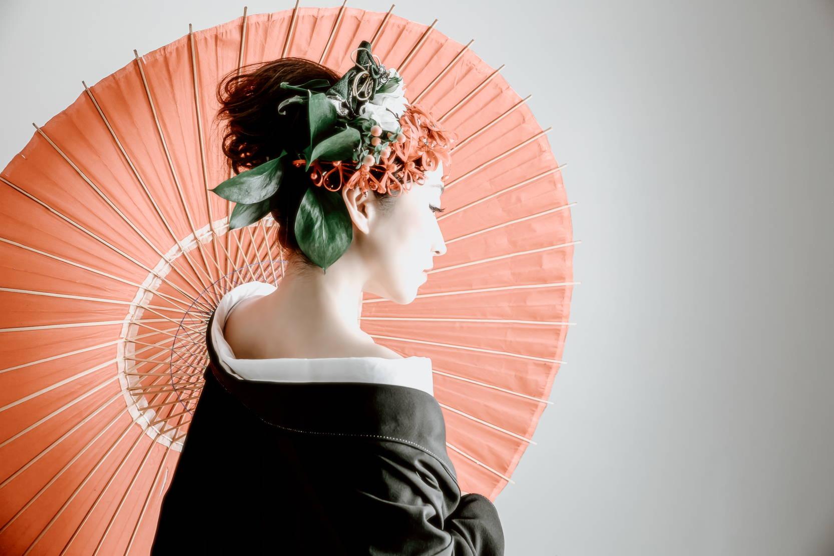 Tozaime - Geisha with classical umbrella and make-up
