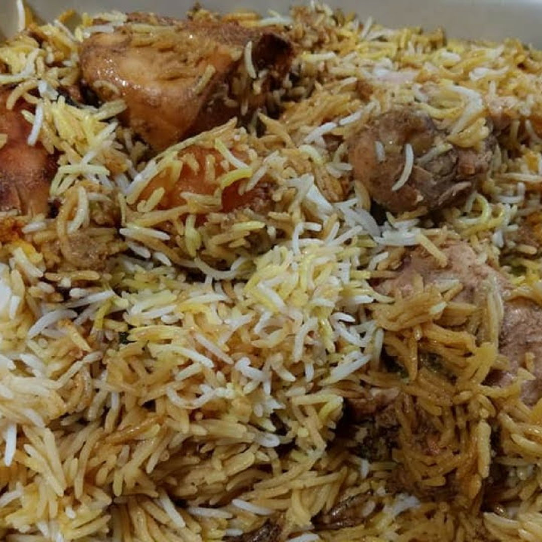 Chicken biryani is a mauritian classic recipe enjoyed by all mauritians. It originated from asia mostly from India & Pakistan !