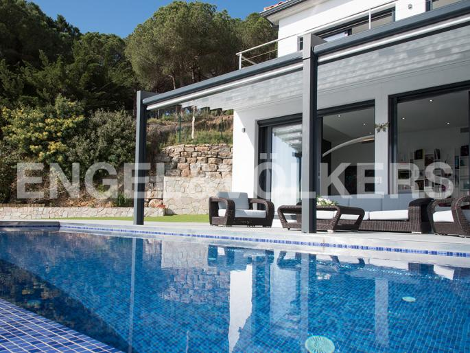 EXCLUSIVE VILLA WITH INCREDIBLE SEA VIEWS