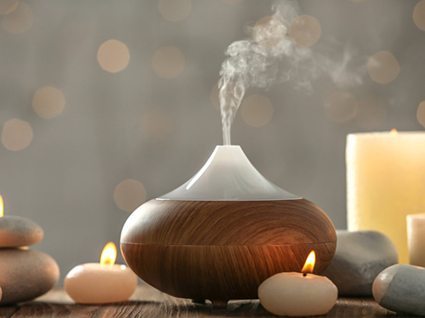 Sant Just Desvern - The leaves may be turning, but you can still bring the outside in with these seasonal home fragrance tips.