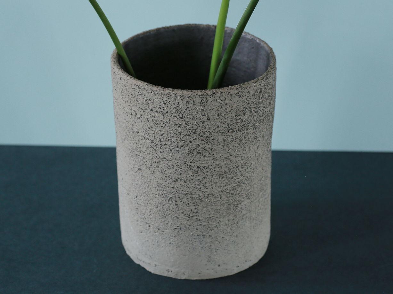 Монстера в сером керамическом цилиндре (49см)
