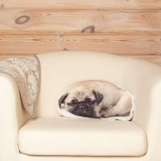 Подушка  Мопс – льняная декоративная подушка в виде спящего мопса