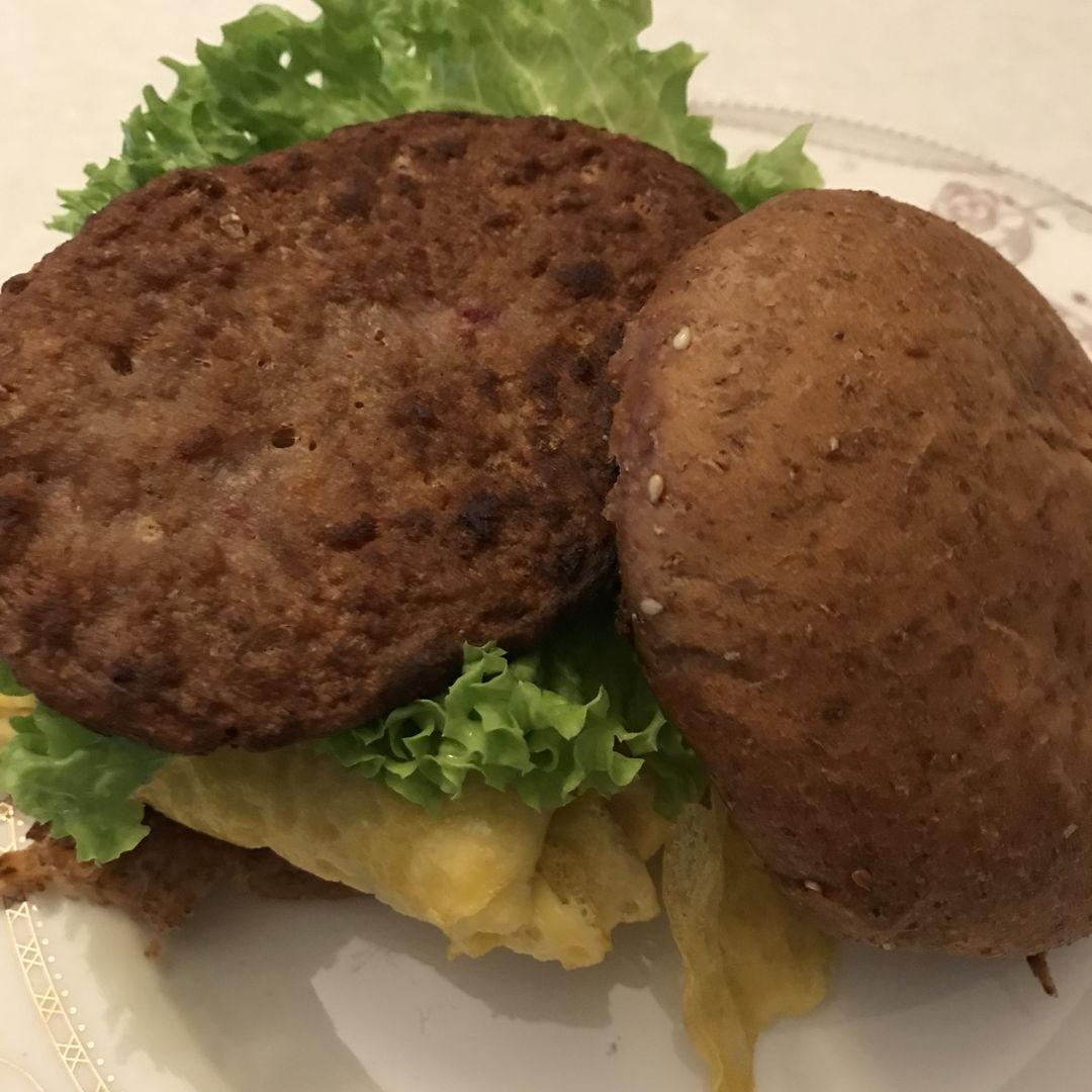 Home made lamb burger
