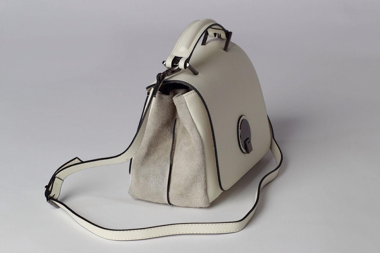 Мини сумка-портфель FREYA кремового оттенка в сочетании с замшей