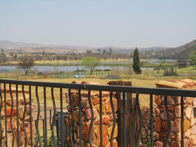 Real estate in Hartbeespoort Dam - ENV91128 b.jpg
