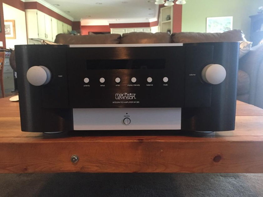 Mark Levinson  585 Integrated Amplifier : Trades OK
