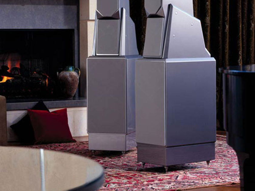 Wilson Maxx 2's Diamond Black Floorstanding Speakers