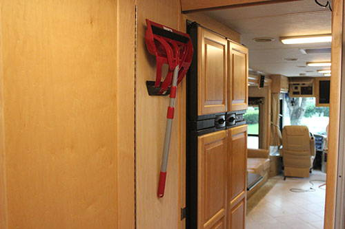 RV Compact Broom