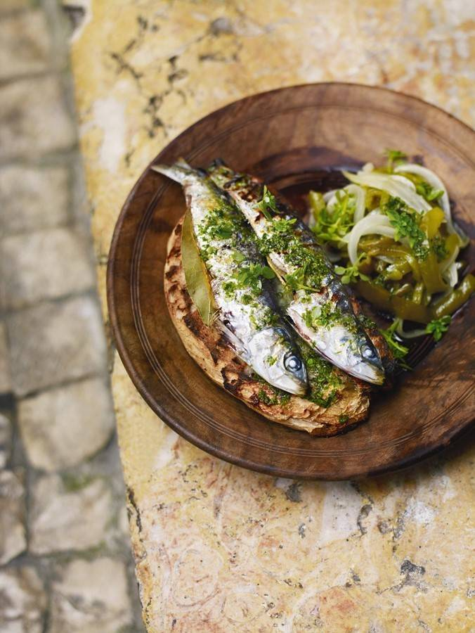 Our team picks sardines on bread, or sardinhas no pão, as one of the most typical dishes to try on a visit to Lisbon.