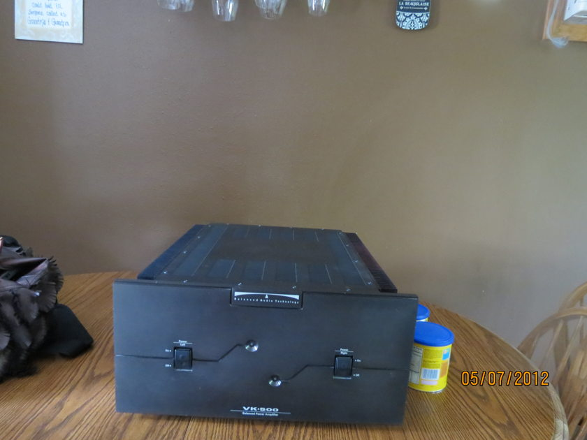 Bat  Balanced audio technology VK-500 250 watt amp